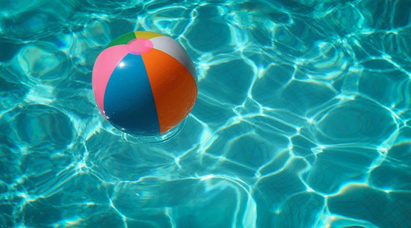 pool-sommer-vorbereiten-reinigen