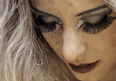 eyelashes-wimpern-kleber